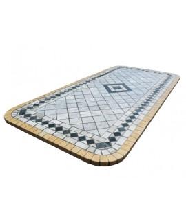 tavolo in pietra o mosaico